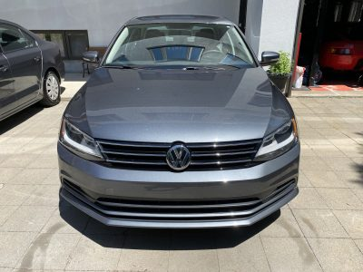 VW Jetta 2016 grise automatique